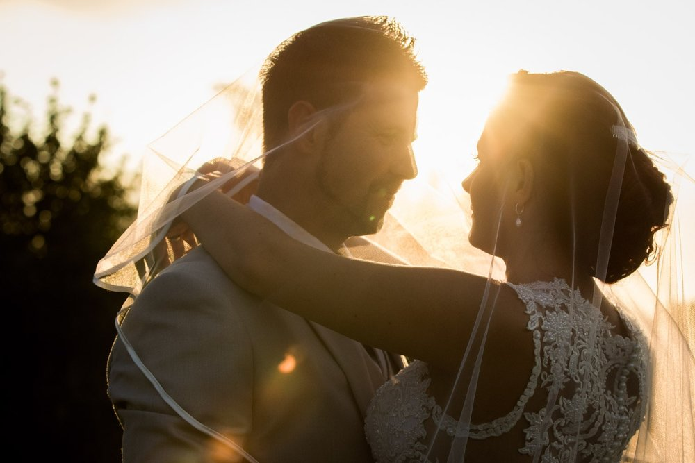 Close+up+of+bride+and+groom+with+sunlight